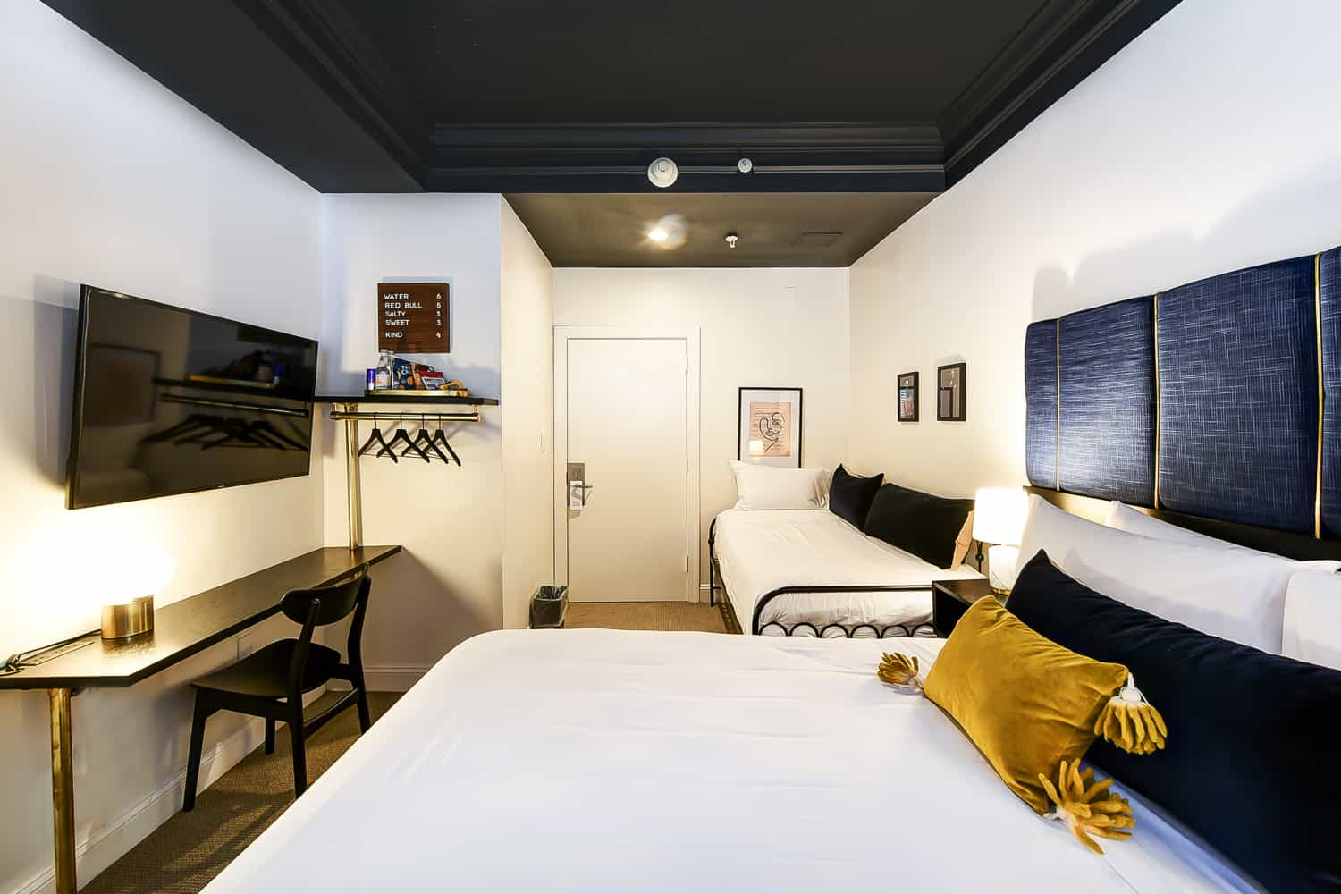Dupont Circle Embassy Inn by FOUND - Rooms - Queen Studio