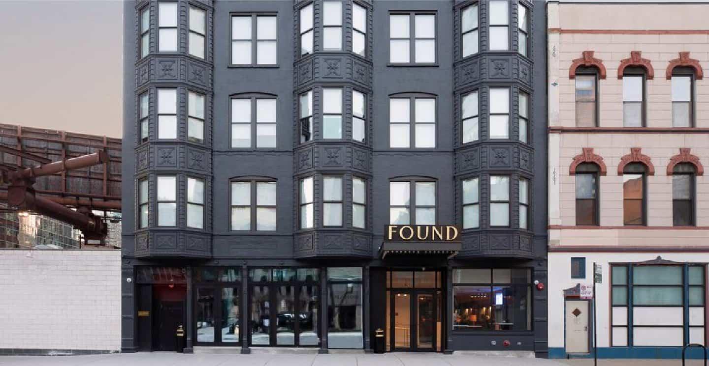 FOUND Hotel Chicago Exterior